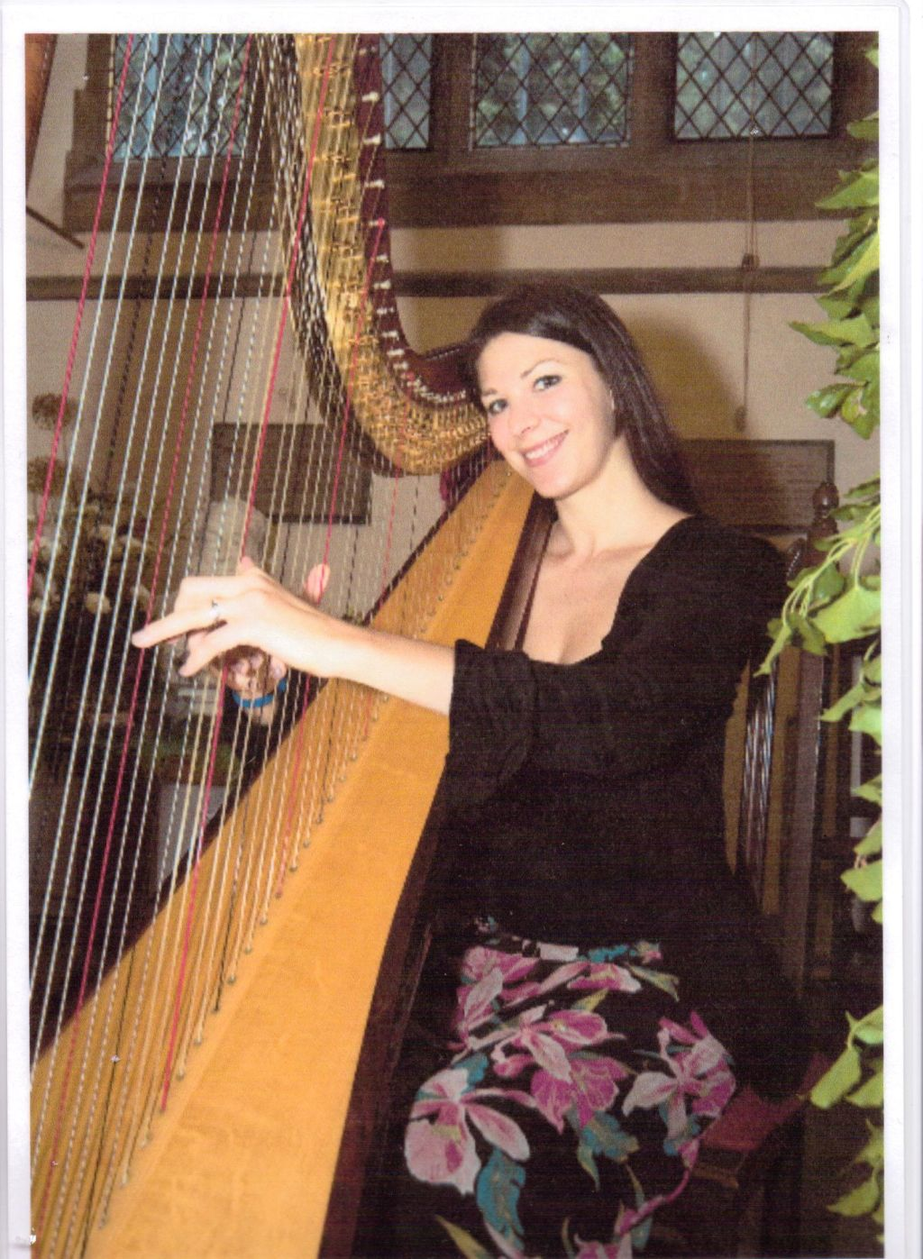 camilla-pay-harpist